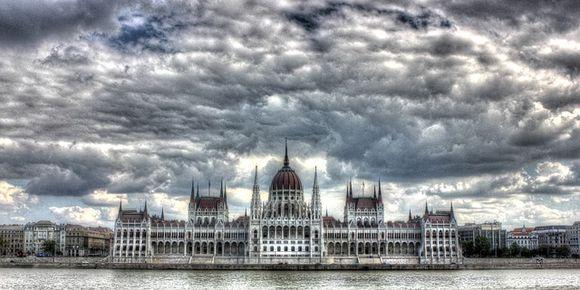 Вид на жительство Венгрии может получить каждый иностранец, купивший недвижимость Венгрии - это записано в Законе об иностранцах от 2007-го года