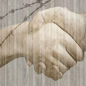 Мы должны протянуть руку помощи, и мы ее протянем. © Остап Бендер