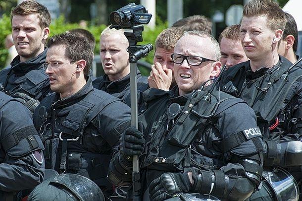 """В акции """"Коридор"""" приняло участие более тысячи полицейских из всех регионов Чехии"""