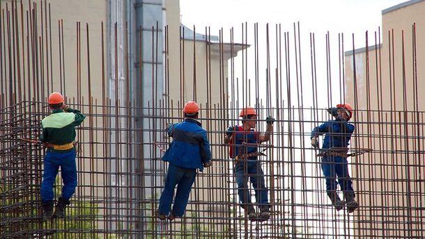В строительном бизнесе в Чехии ранее нелегально трудились десятки тысяч иностранцев под прикрытием лицензии частного предпринимателя